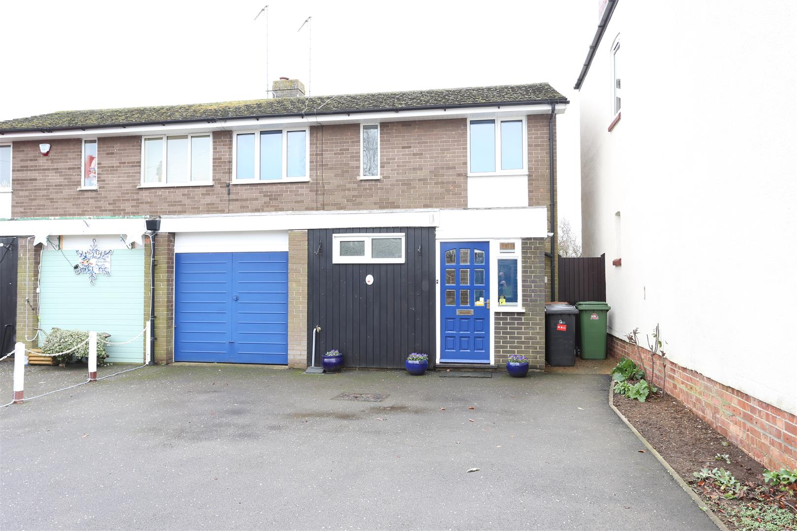 4 Bedrooms Semi Detached House for sale in Wilby